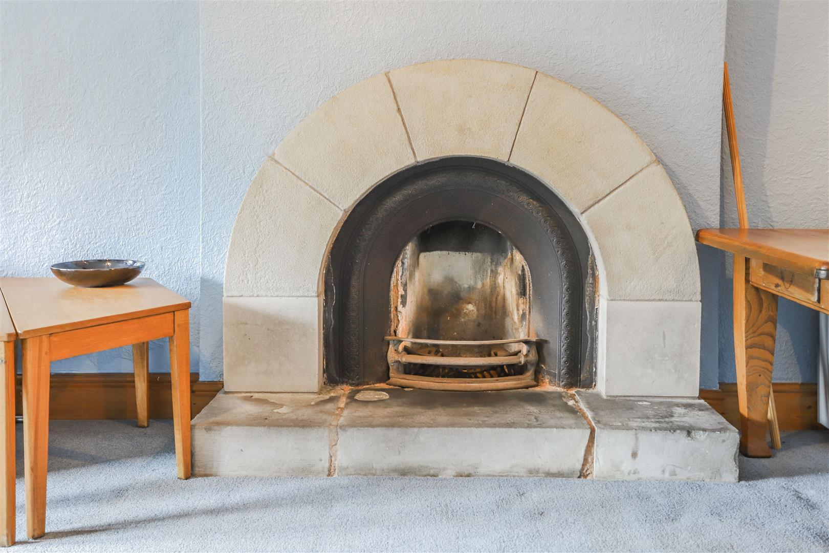 6 Bedroom Detached House For Sale - 38.JPG